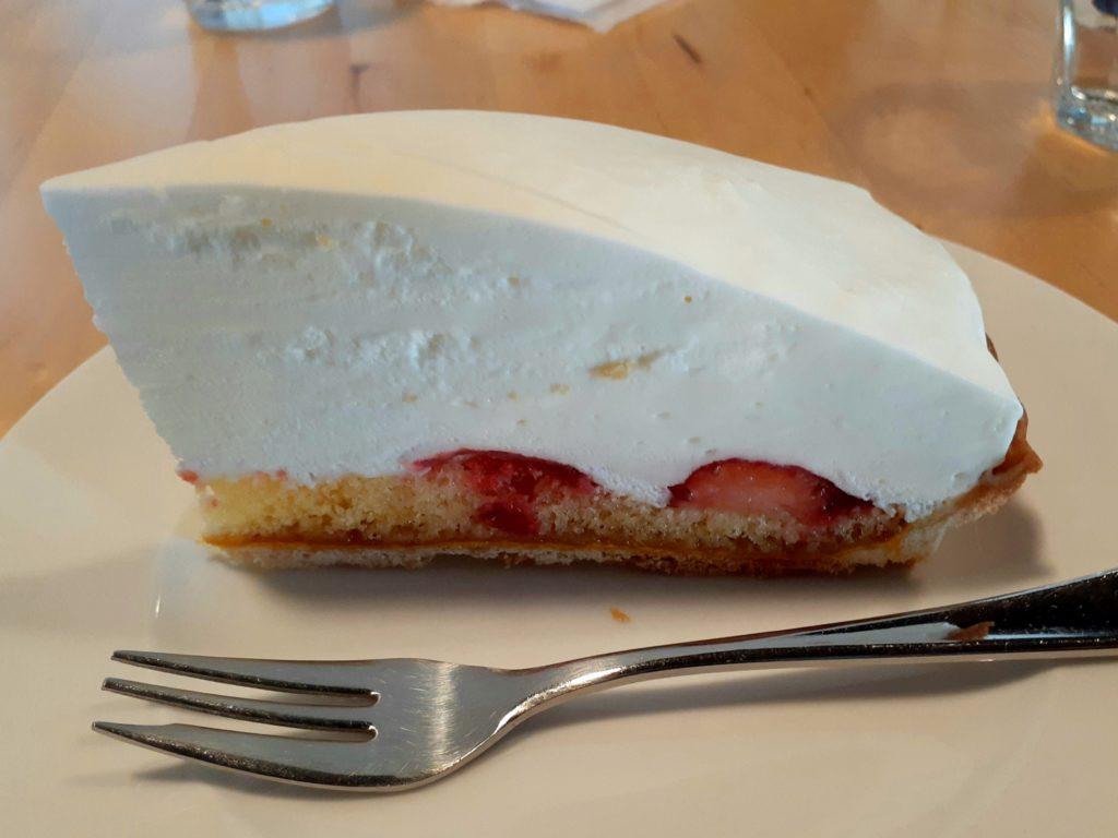 石畳茶屋meguriケーキ