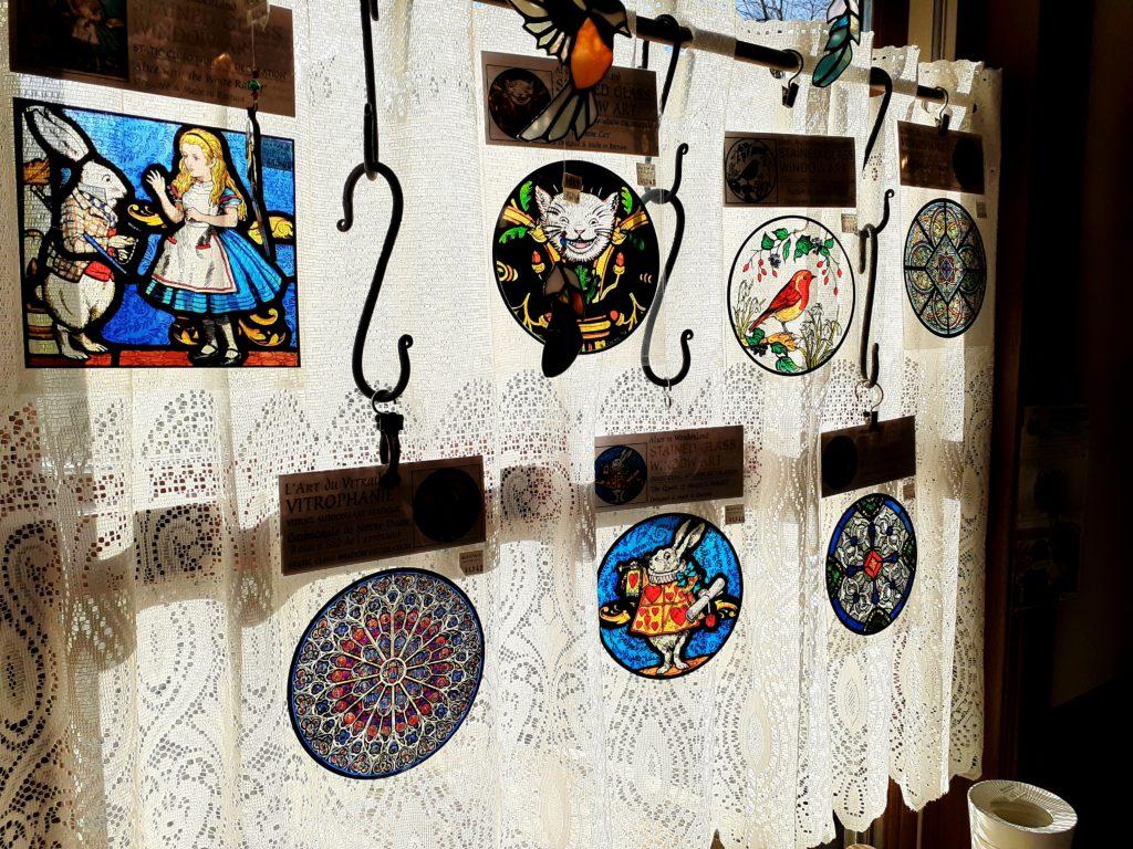 萌木の村のステンドグラス