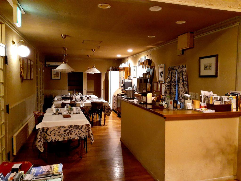 清里オーチャードハウスの食事スペース