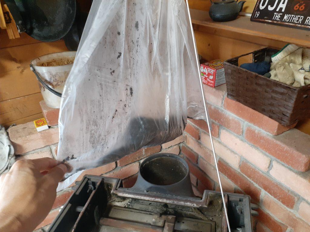 薪ストーブの煙突掃除、方法