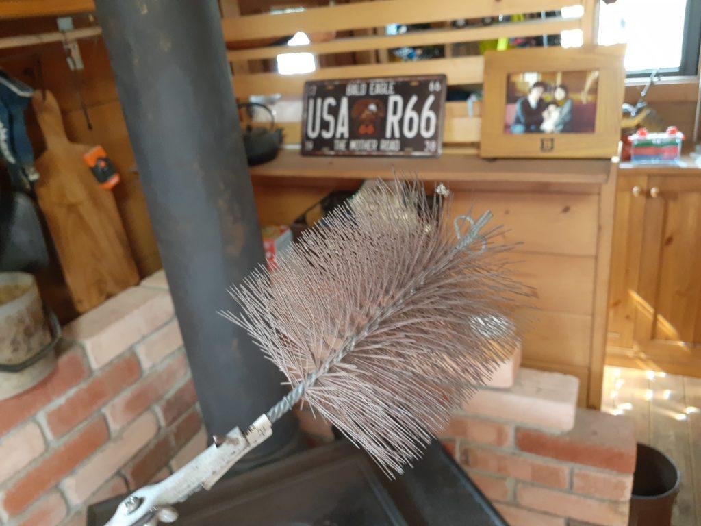 薪ストーブの掃除、ブラシ