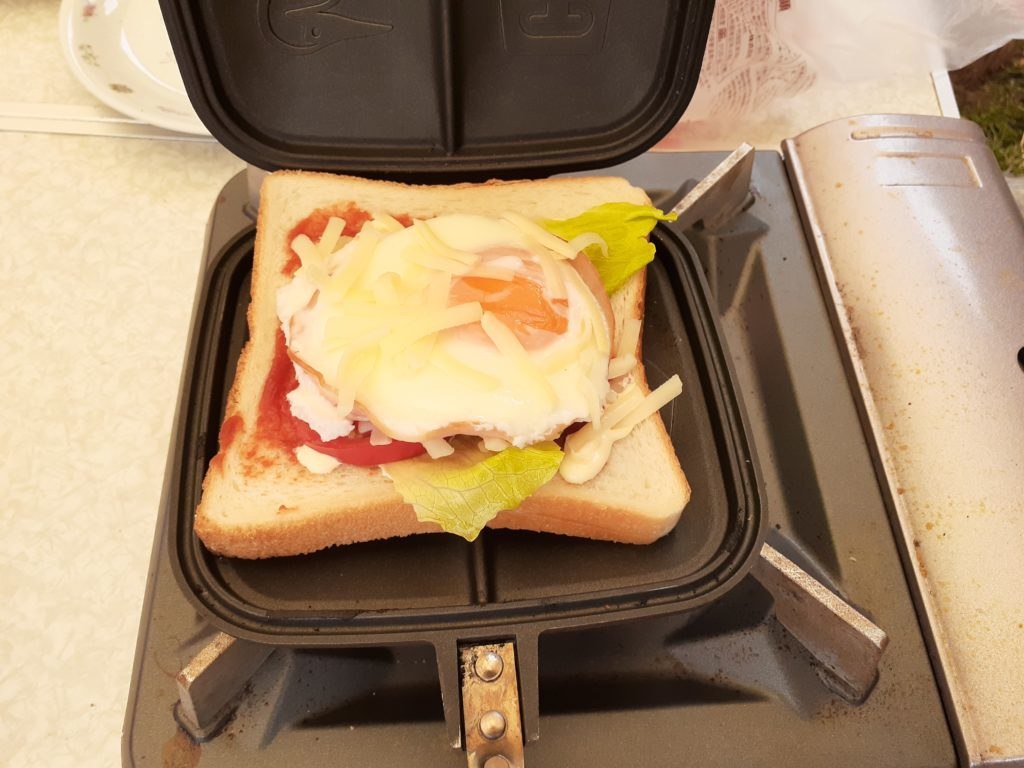 CHUMSチャムスホットサンドクッカーの朝食レシピ