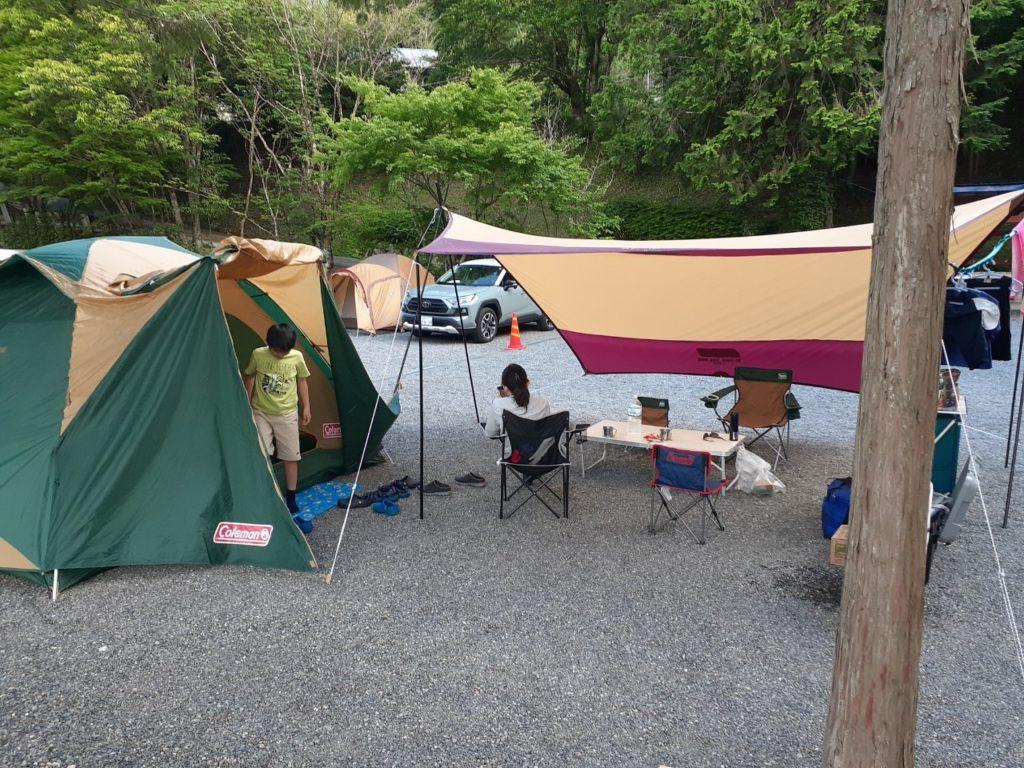 福士川オートキャンプ場、広場サイト区画、テント