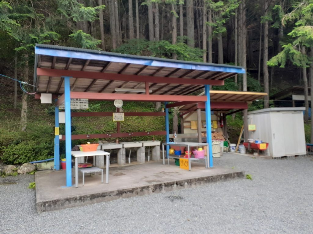 福士川オートキャンプ場、炊事場