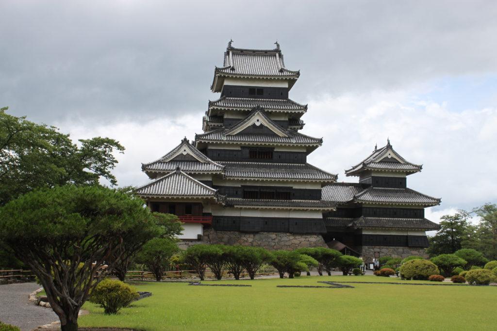 【松本城】長野の日本100名城!天守閣