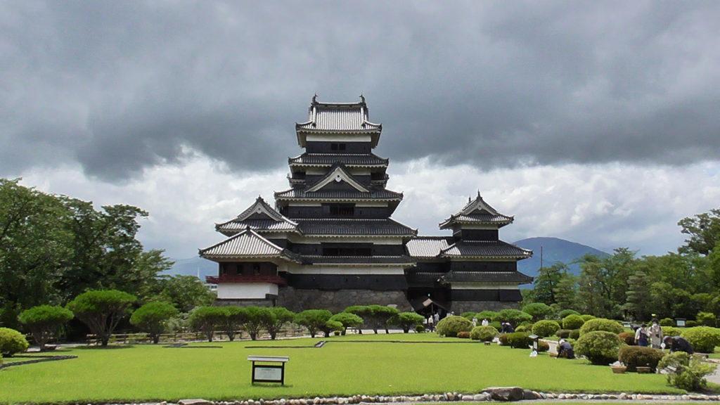 【松本城】長野の日本100名城!見どころお土産所要時間のまとめ