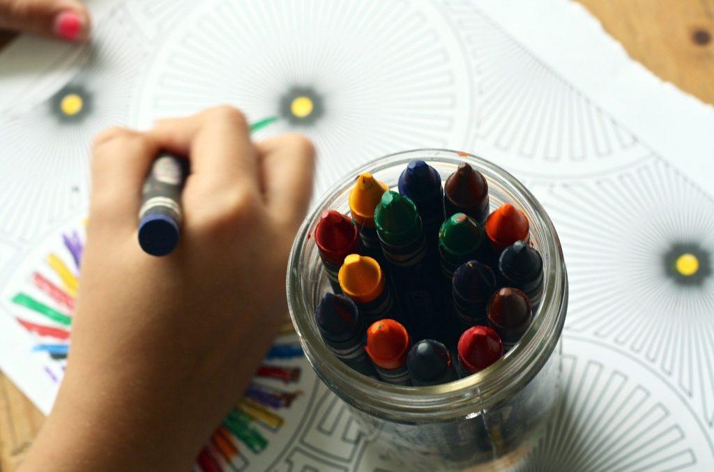 塗り絵の効果 子供編 集中力や自己肯定感が育つ