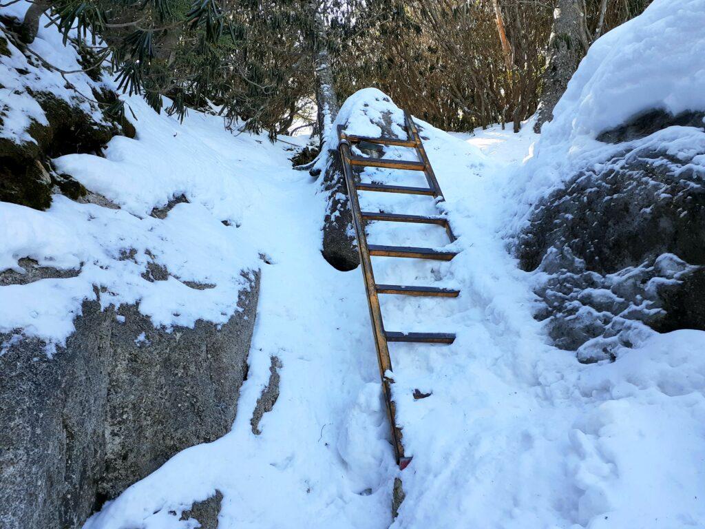瑞牆山は初心者でも登れる日帰り登山 はしご