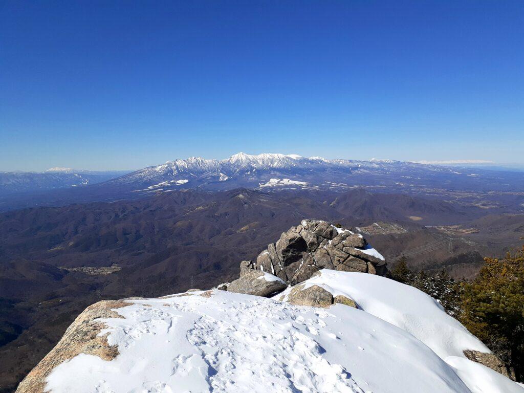 瑞牆山は初心者でも登れる日帰り登山 頂上からの八ヶ岳