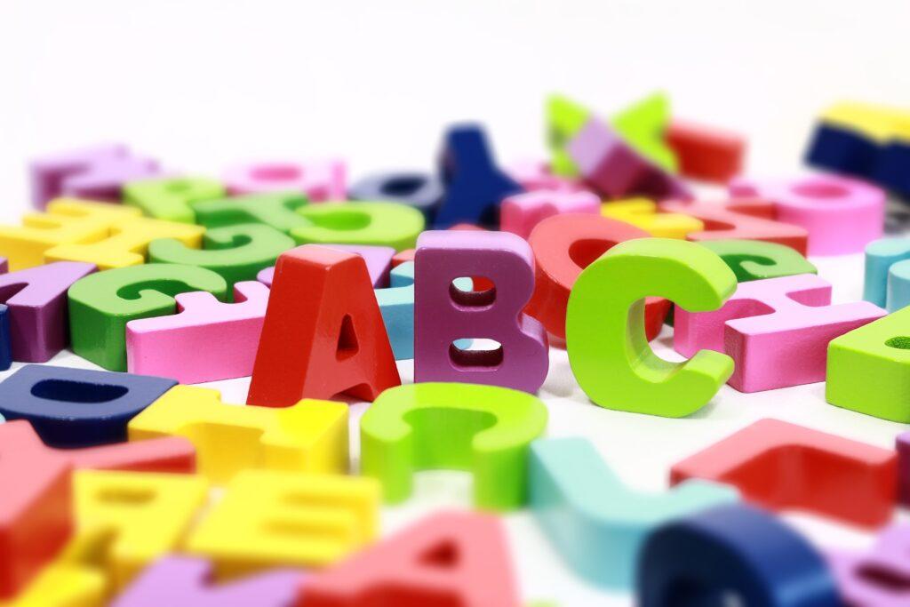 【子供英会話・英語教育】いつから始める?実用英語と受験英語の違い!