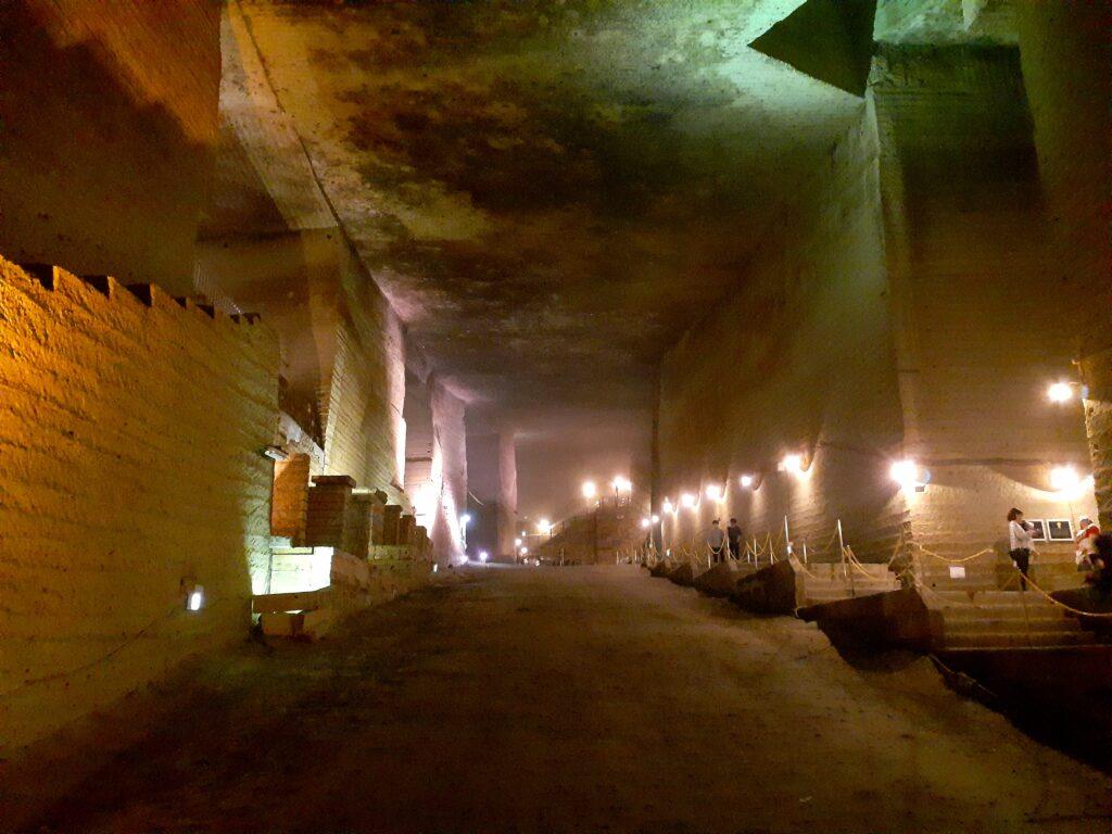 【大谷資料館】カップル旅行におすすめ!神秘的な地下神殿の観光地!