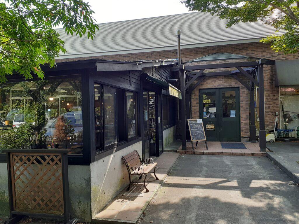 【Field Dogs Garden】ドッグカフェ「CLUB HOUSE」